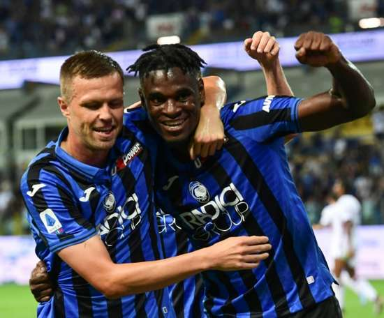 Duvan Zapata wants to continue on in Atalanta. AFP