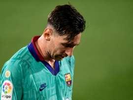 Lionel Messi está pendurado e pode virar ausência por conta dos cartões recebidos. AFP