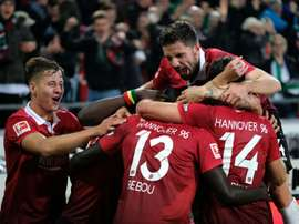 Hannover 96 are temporarily top of the Bundesliga table after beating Hamsburg SV. AFP