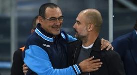 Maurizio Sarri le ganó la partida a Guardiola este fin de semana. AFP