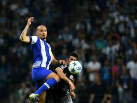 Portos Brazilian defender Maicon (L) vies with Chelseas Brazilian-born Spanish striker Diego Costa during the UEFA Champions League Group G football match at the Dragao stadium in Porto on September 29, 2015