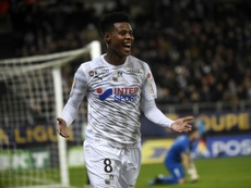 Rangers swoop for South African midfielder Zungu. AFP