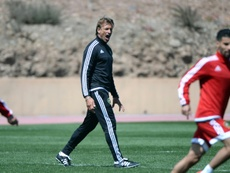 The French coach of the Moroccan national football team, Herve Renard (C), leads his teams training session on March 23, 2016 in Marrakesh