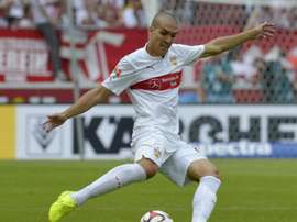 Stuttgarts Spanish midfielder Oriol Romeu plays the ball during the German first division Bundesliga football match VfB Stuttgart vs 1 FC Cologne, in Stuttgart, southern Germany, on August 30, 2014