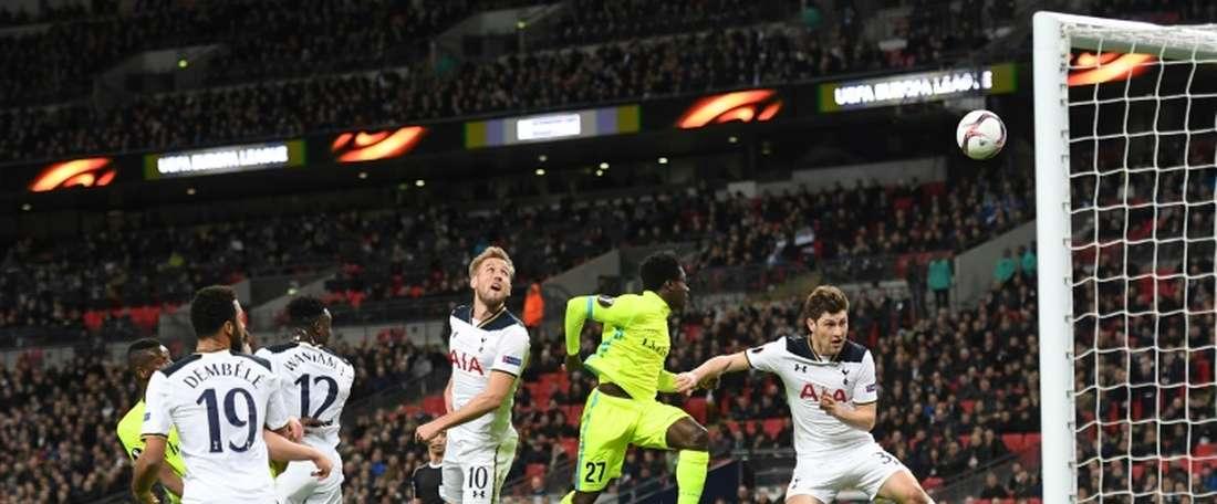 El Tottenham ha hecho oficial cinco salidas. AFP