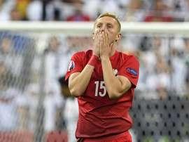 Glik aprieta por el Mundial. AFP