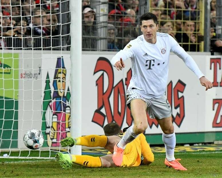 Lewandowaski pudo haber fichado por el Manchester United. AFP