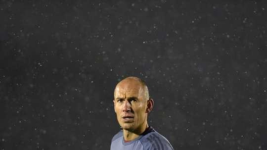 Robben reveals his four options. AFP