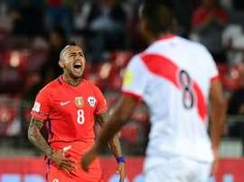 Arturo Vidal a reçu les compliments de Valdivia. EFE