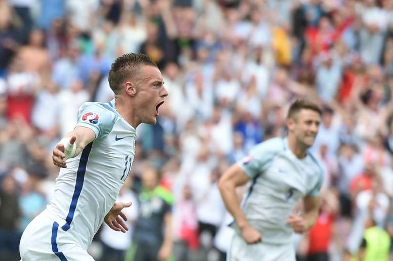 Vardy volvió a ser fundamental para Inglaterra. AFP