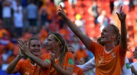 A Holanda venceu a Itália e segue em frente no Mundial. AFP