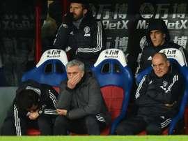 Mourinho busca refuerzos para la defensa. AFP