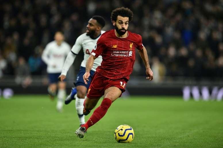 El día que Salah lloró en los brazos de su descubridor. AFP