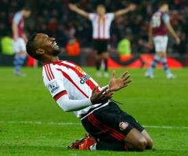 Defoe marcó el tercer y cuarto gol del Sunderland. AFP