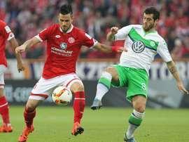 Danny Latza no parece que vaya a salir este verano del Mainz. AFP
