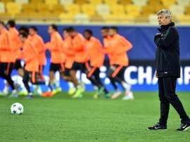 FC Shakhtar's Romanian coach Mircea Lucescu looks on during a training session on September 29, 2015 at the Arena Lviv Stadium in Lviv on the eve of the UEFA Champions League football match between FC Shakhtar Donetsk and Paris Saint-Germain