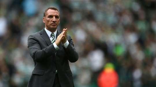 El hijo de Brendan Rodgers busca equipo. AFP