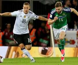 El lateral alemán reconoció la superioridad de Chile. AFP