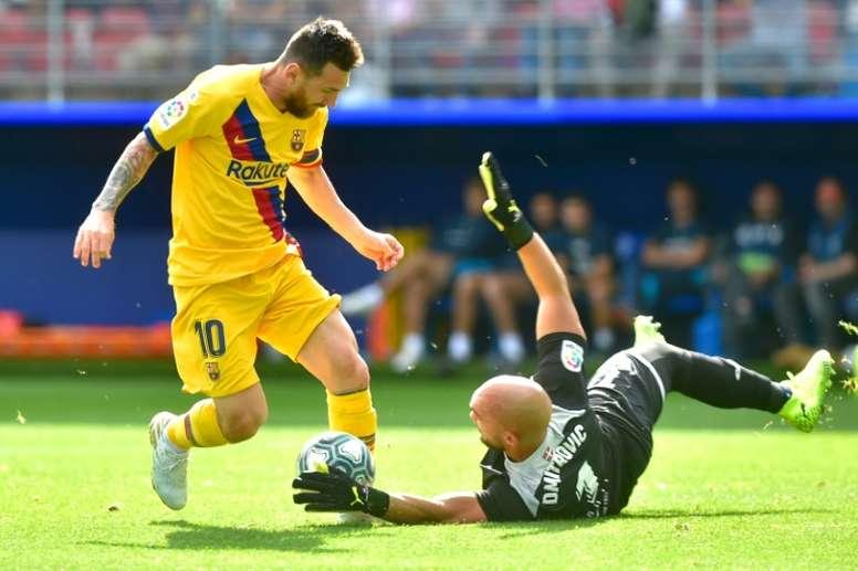 Messi se encontró con el gol de nuevo ante el Eibar. AFP