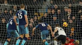 Winks salva al Tottenham en el 93'. AFP