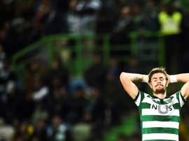 Coates gave away three penalties and was sent off against Rio Ave. AFP/Archivo