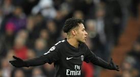 Aulas cree que el PSG es el equipo idóneo para Neymar. AFP