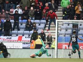 Cédric Soares anotó el 0-2 definitivo para el Southampton. AFP