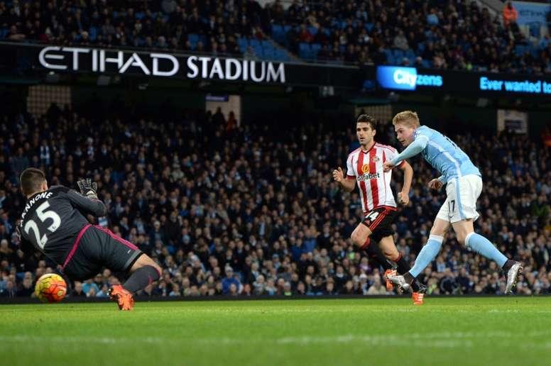 De Bruyne Stars Kompany Injured As Manchester City Stroll Besoccer