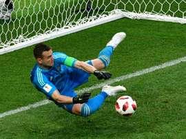 El portero fue uno de los mejores de los rusos en el Mundial. AFP