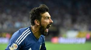 Argentine Lavezzi retires