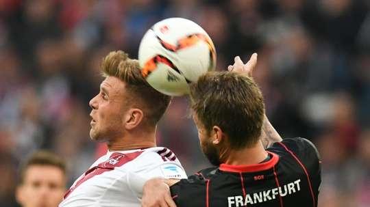 El Eintracht se juega la permanencia en un duelo a vida o muerte con el Nürnberg. AFP