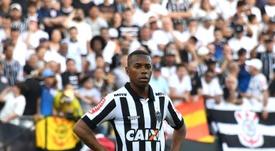 Santos cede a las presiones y cancela el fichaje de Robinho por su condena. EFE