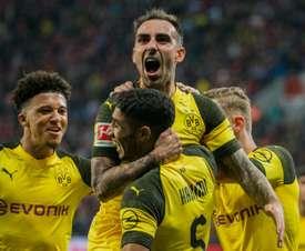 Alcácer recupera la sonrisa en el Borussia. AFP
