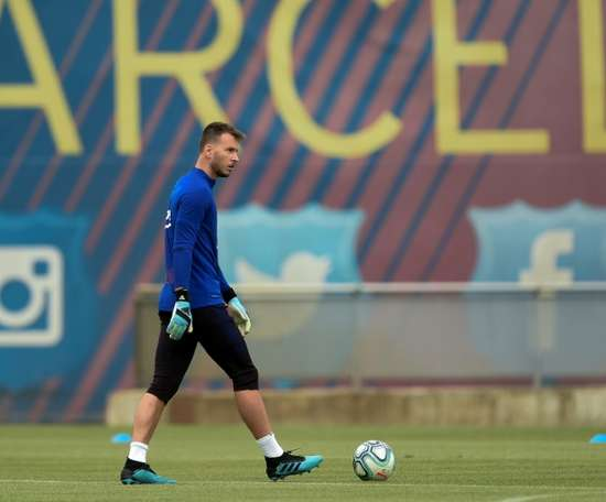 Up to nine clubs would be willing to sign Neto. AFP
