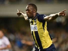 Bolt será jogador profissional. AFP