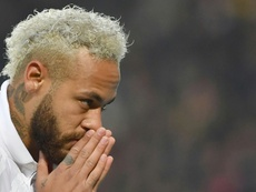 Neymar dedicates goal to Bryant as PSG go 10 points clear. AFP