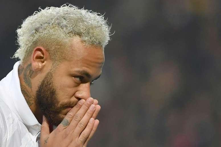 Neymar podría no jugar ante el Dijon. AFP