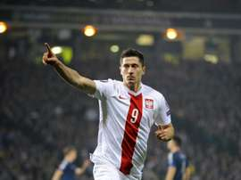 Polonia empate a cero ante Lituania. AFP