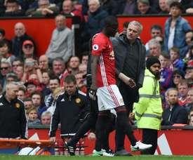 Le tacle de Bailly à Mourinho. AFP
