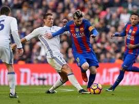 El Barcelona y el Real Madrid quieren hacerse con la nueva perla portguesa. AFP