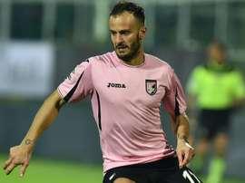Aos 35 anos, o centroavante ruma a uma equipe do segundo escalão de Itália.