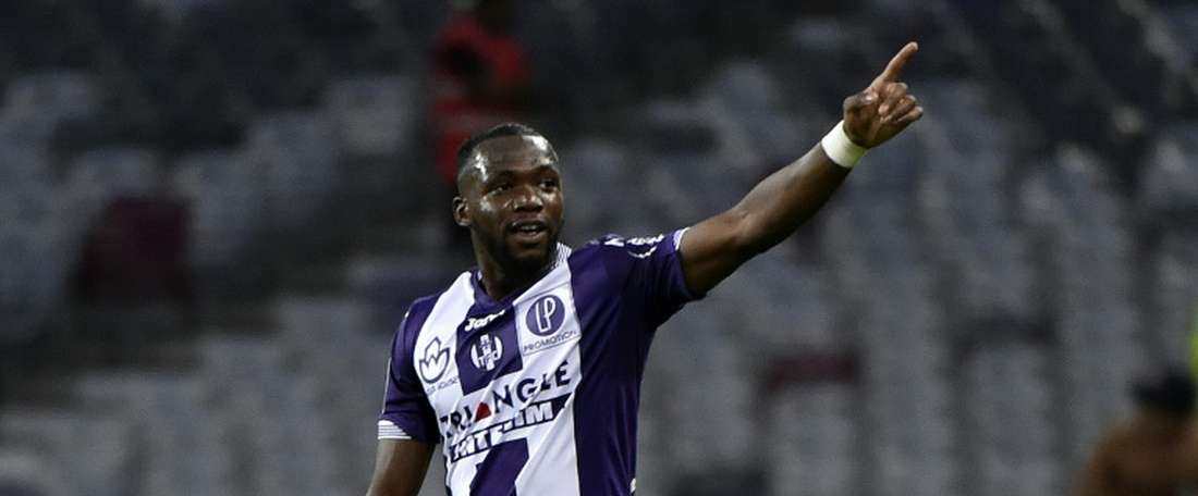Toulouses Malian midfielder Tongo Doumbia, pictured on August 22, 2015, was found guilty of driving under the influence of alcohol, as well as without a licence or insurance
