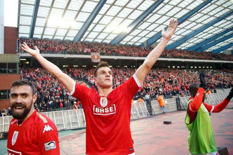 Standard de Lieges Ivan Santini (C) celebrates with teammates after scoring.BeSoccer