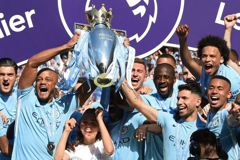Manchester City : trois clubs sur Yaya Touré