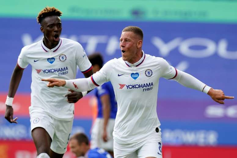 Ross Barkley gave Chelsea a 0-1 win at Leicester in the FA Cup.