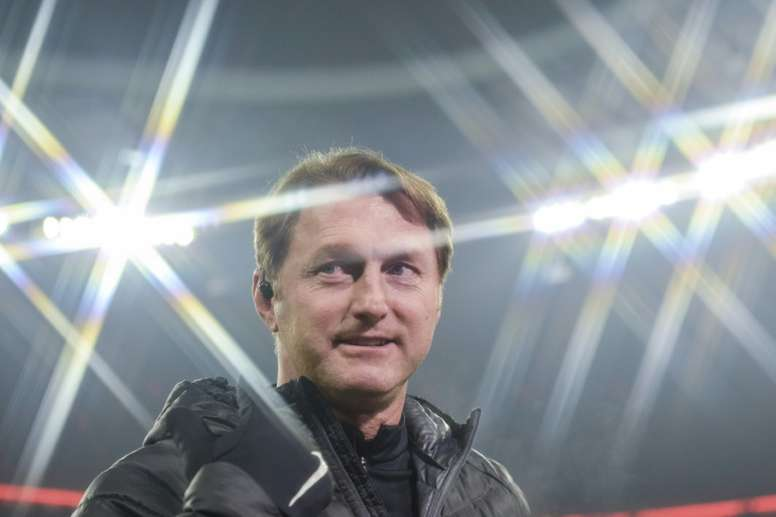 Leipzigs Austrian head coach Ralph Hasenhuettl is pictured prior to the German first division Bundesliga football match FC Bayern Munich vs RB Leipzig in Munich, Germany, on December 21, 2016