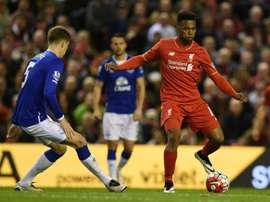 El derbi de Liverpool tuvo de todo, con un descuento de ocho minutos. AFP