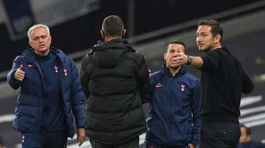 Frank Lampard e José Mourinho se reencontram no Stamford Bridge. AFP