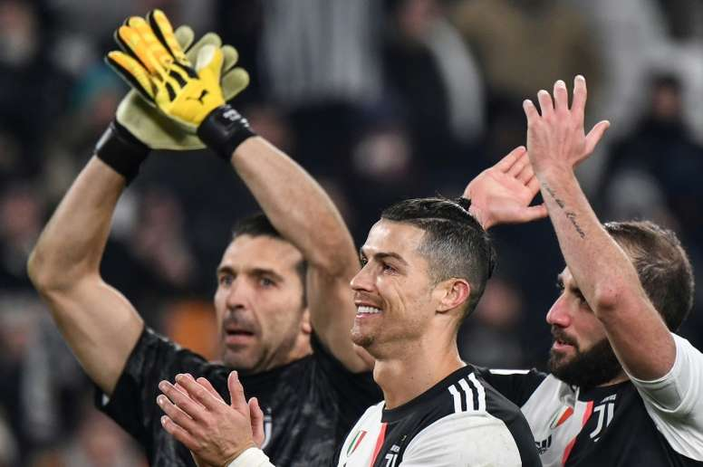 Mum's the word as Ronaldo fires Juventus into Italian Cup semi-finals