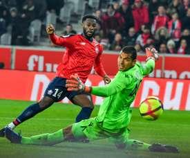 Lille stretch win streak by thrashing Nice